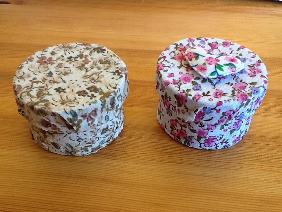 Coloriages et petites cr ations bo tes en tissu for Boite en tissu