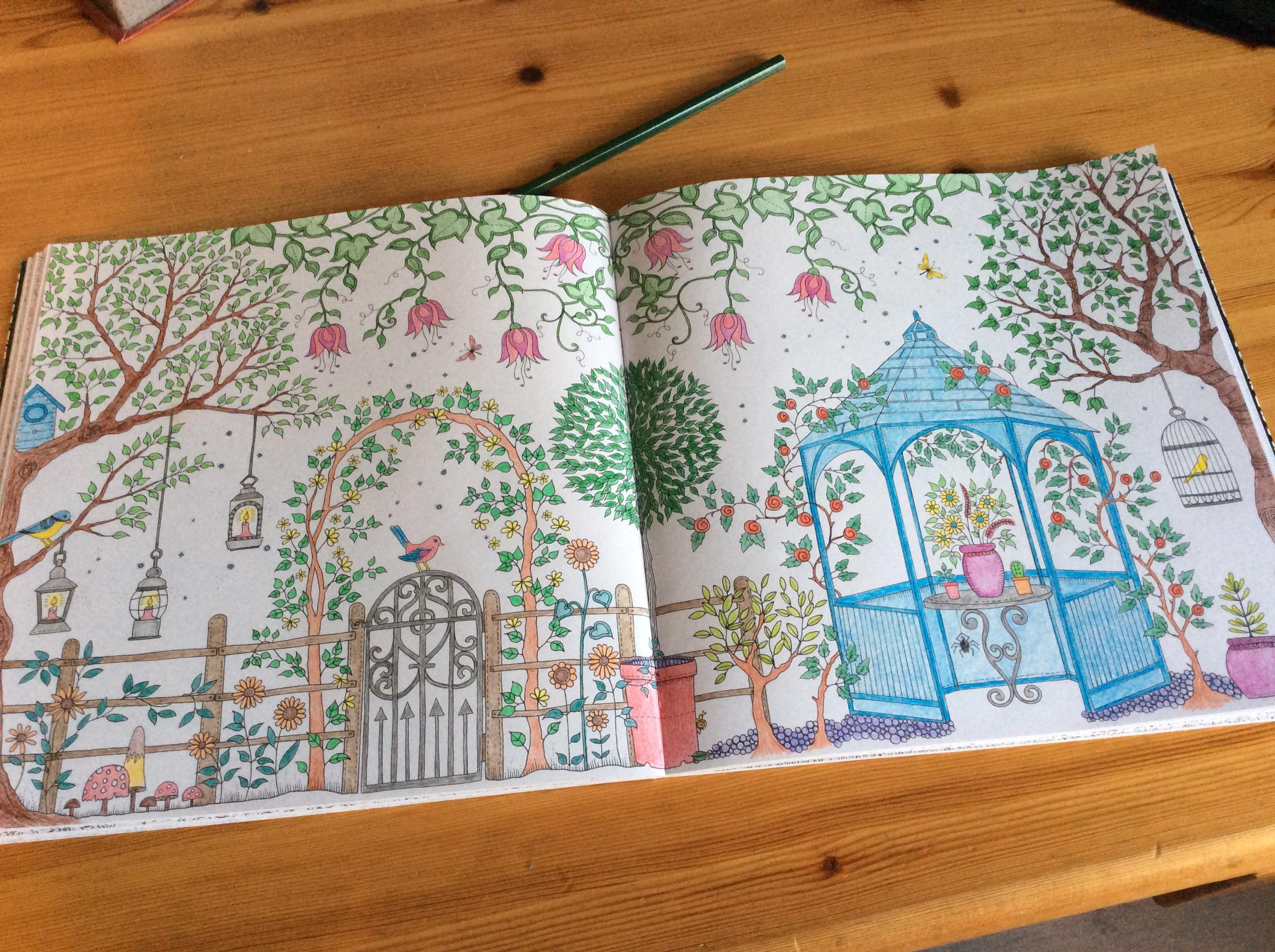 Coloriages et petites cr ations coloriage for Akeo jardin secret 2015